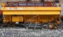 camión esparcidor de sal usado