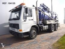 camion aspirateur Volvo