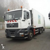 camión volquete para residuos domésticos MAN