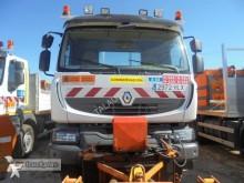 camión quitanieves con salero Renault