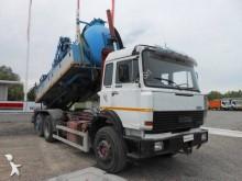 camión limpia fosas Iveco