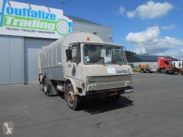 camion benne à ordures ménagères Berliet
