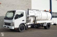 camion hydrocureur Mitsubishi