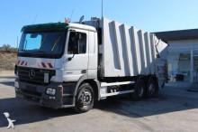 camião basculante para recolha de lixo usado