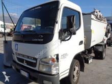 vuilniswagen Mitsubishi