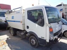 vuilniswagen Nissan