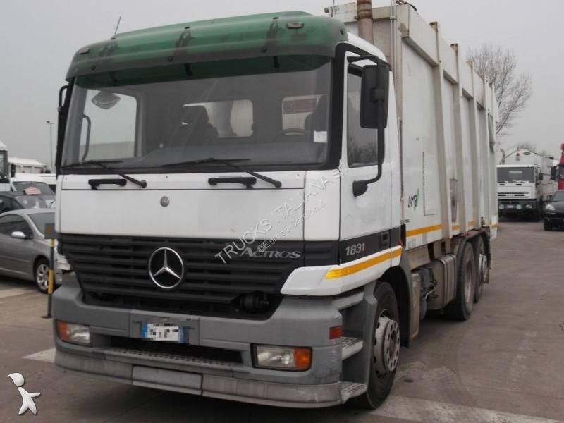 Mezzo di rete stradale Mercedes