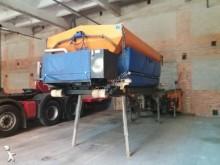camion cu echipament de împrăştiat sare şi deszăpezire Schmidt