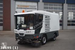 camion cu echipament de măturat străzi Ravo
