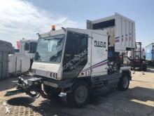 camion cu echipament de măturat străzi Dulevo