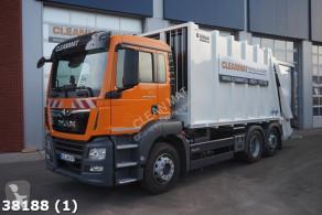 camion de colectare a deşeurilor menajere MAN