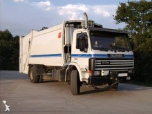 camión volquete para residuos domésticos Scania