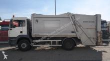camion benne à ordures ménagères MAN