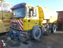 camion spazzatrice MAN