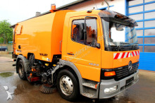 camion spazzatrice Mercedes