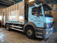 camião basculante para recolha de lixo Mercedes