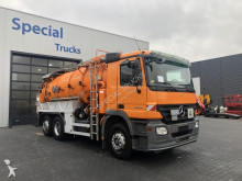 camion-cisternă Mercedes