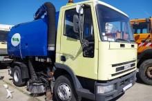 camion balayeuse Iveco