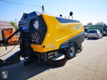 camion cu echipament de măturat străzi Schmidt
