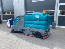 Tennant 8300 veeg/schrob machine