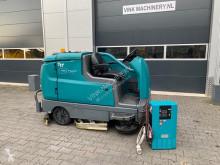 camion cu echipament de măturat străzi Tennant