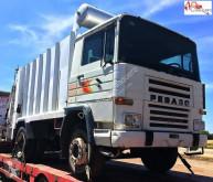 camión volquete para residuos domésticos Pegaso