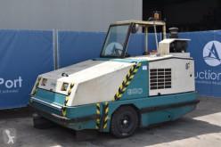 camion balayeuse Tennant