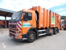camion benne à ordures ménagères Volvo