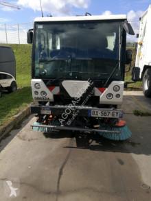 camion balayeuse Scarab