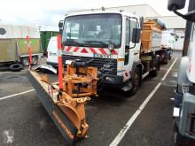 camion saleuse Volvo