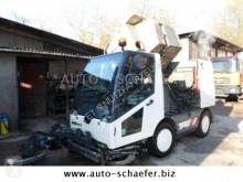 camion cu echipament de măturat străzi n/a