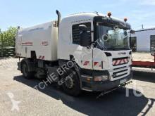 camion balayeuse Scania