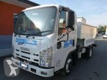 camion benne à ordures ménagères Isuzu