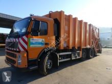vuilniswagen Volvo