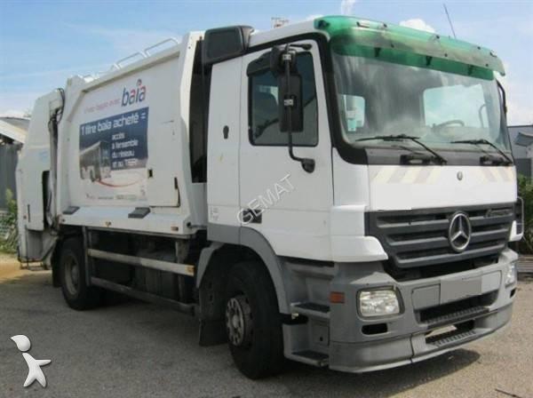 camion benne ordures m nag res mercedes 1831 euro 3 occasion n 2489146. Black Bedroom Furniture Sets. Home Design Ideas