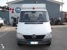 Bekijk foto's Gemeentevoertuig Mercedes