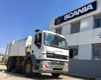 camion balayeuse DAF LF55 220 4x2 Gazoil Euro 3 occasion - n°3023648 - Photo 2