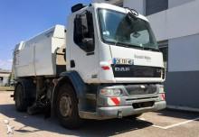 camion balayeuse DAF LF55 220 4x2 Gazoil Euro 3 occasion - n°3023648 - Photo 5