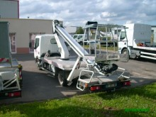 nacela montata pe camion cu brat telescopic second-hand