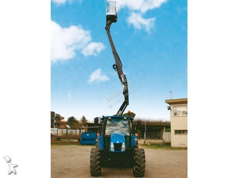 Comet X Traktor aerial platform