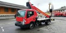 подъемник на базе грузовика Nissan