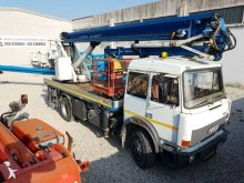 подъемник на базе грузовика коленчатый Isoli