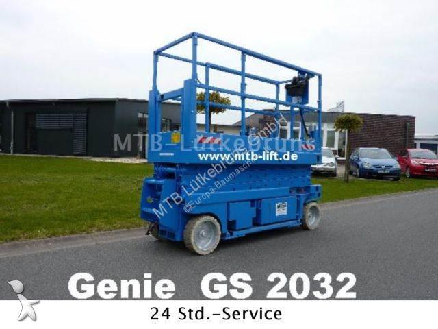 Genie GS 2032 aerial platform