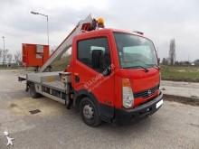 подъемник на базе грузовика телескопический Nissan