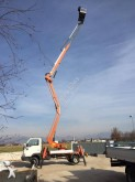 hoogwerker op vrachtwagen uitschuifbaar scharnierend Socage