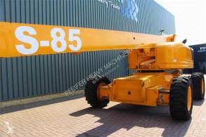 Bekijk foto's Hoogwerker Genie S85/4WD