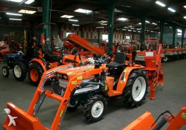 micro tracteur kubota tracteur 21cv chargeur pelle retro occasion n 1388873. Black Bedroom Furniture Sets. Home Design Ideas