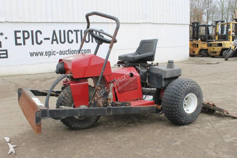 Toro Sandpro 3020 Padock sleep landscaping equipment