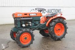 Kubota B7000 Mini Tractor
