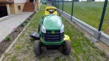 Voir les photos Espaces verts John Deere D 105